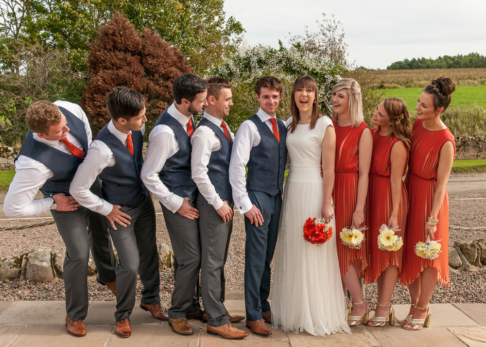 wedding group posing techniques